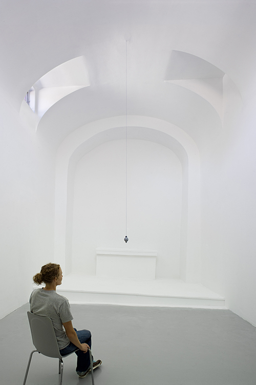 "JILL DOWNEN: ""(dis)Mantle"", 2010 (Installation view)"